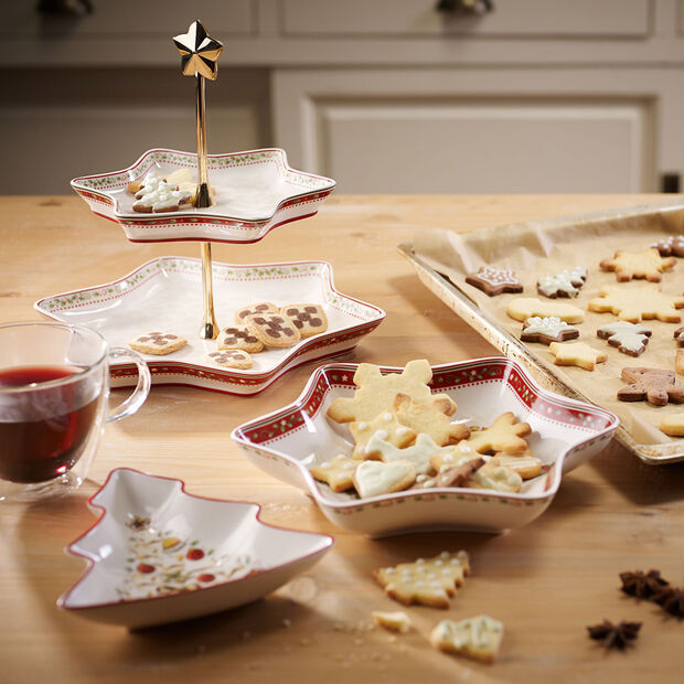 Winter Bakery Delight holly cake stand, , large