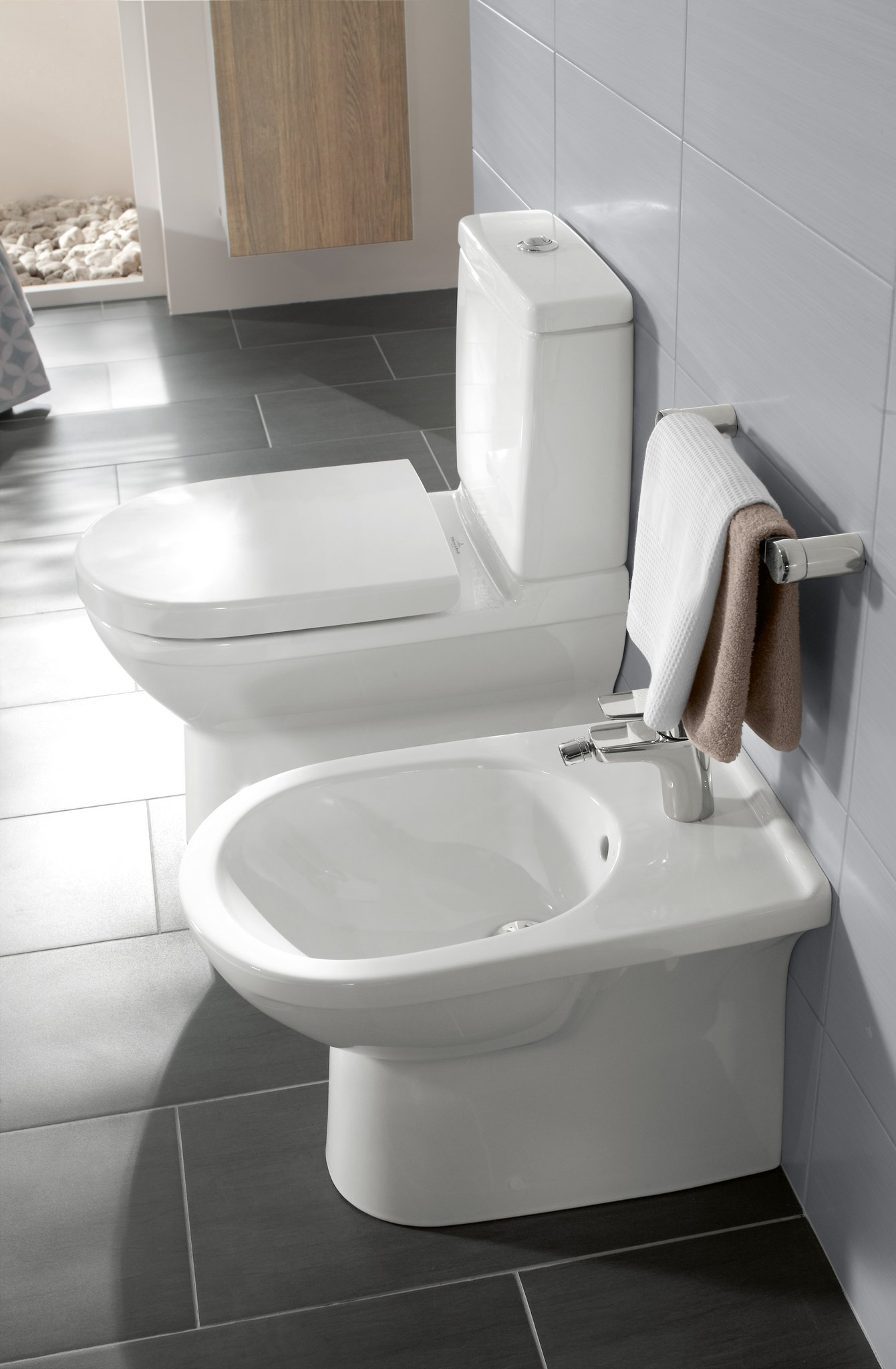 washdown toilet for close coupled wc suite oval 565810 villeroy boch